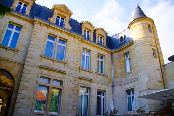 Yndo Hotel Bordeaux - Außenansicht im Innenhof