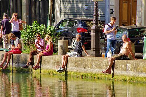 Paris au bord du canal Saint-Martin 1