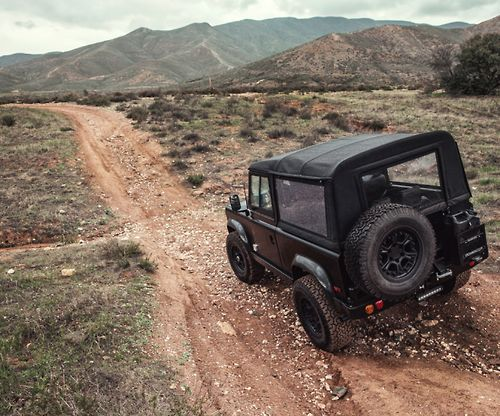 airows:  (via ICON Land Rover Defender 90 = THE COOLEST « Airows)