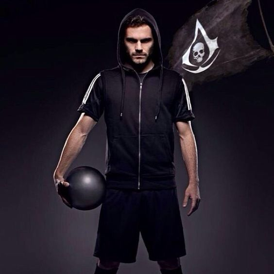 Juan Mata. Black Flag. Ganteng Gilaaak :*