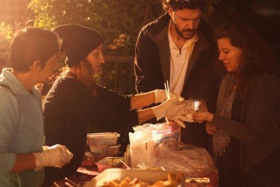 La cuisine nomade : proposer des repas à prix modique dans un esprit de convivialité : http://www.efficycle.fr/la-cuisine-nomade-proposer-des-repas-a-prix-modique-dans-un-esprit-de-convivialite/