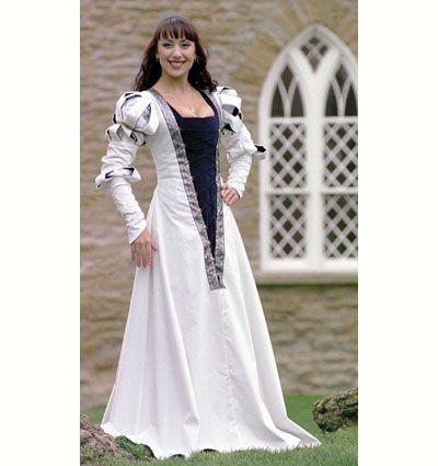 Look Extravagant In This Lavish White German Wedding Dress