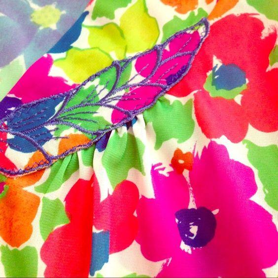 VINTAGE Vassarette multicolor floral pajama top VINTAGE Vassarette multicolor floral pajama top- EUC! Vasserette Intimates & Sleepwear Pajamas