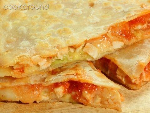 Quesadillas al pomodoro, pollo e avocado: Ricette Messico | Cookaround