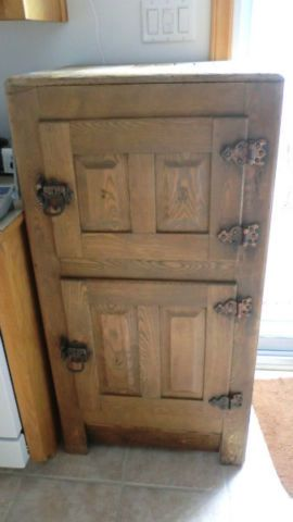 Antiques art and d on pinterest for Meuble antique kijiji