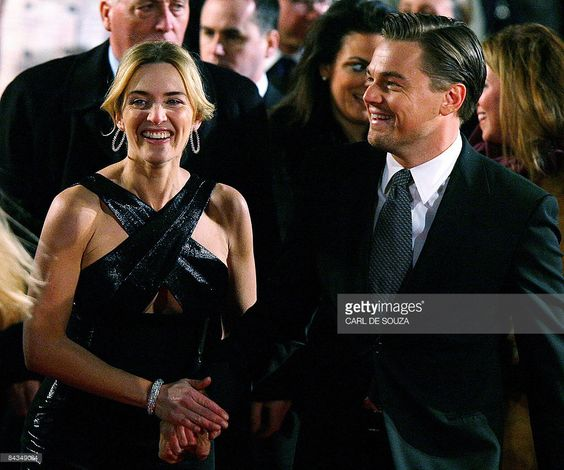 US actor Leonardo DiCaprio (R) and British actress Kate Winslet arrive at the European premiere of the film 'Revolutionary Road' at Leicester Square, London on January 18, 2009. AFP PHOTO/CARL DE SOUZA
