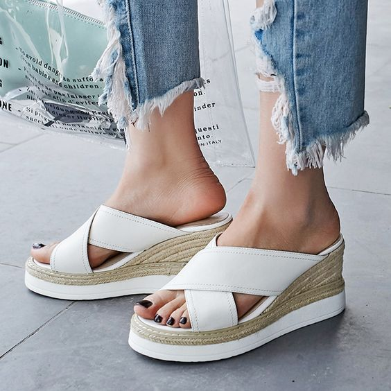 #chiko #chikoshoes #shoes #fashion #fashionable #style #lookbook #fall #winter #autumn #new #best #streetstyle #chic #trend #streetfashion #flatforms #mules #sandals #slides #espadrille #platforms #white #grungy #2018 #edgy #spring #summer #cool #wedge