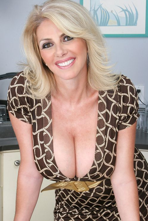 Mature Pussy Needed Now 121