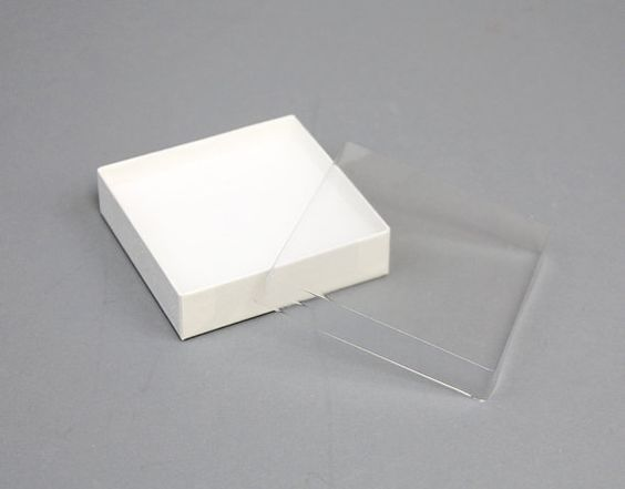 Packaging plastic and cardboard boxes on pinterest for Small cardboard jewelry boxes with lids