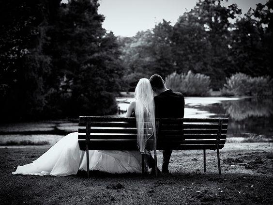 Movie style wedding photo by Danish photographer Peter L. Nielsen (www.venstrehaandsarbejde.com)