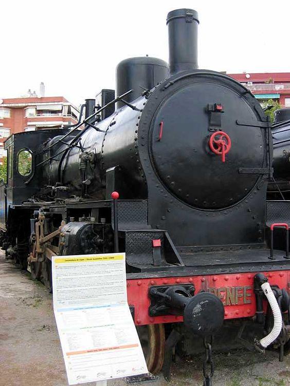 "230-2085 ""Norte 3101"": Va ser creada per la companyia Hanomag a Alemanya, va funcionar des de l'any 1909 fins finals dels anys seixanta. Fue creada por la compañía Hanomag en Alemania, funcionó des del año 1909 hasta finales de los sesenta. It was created by the company Hanomag in Germany, it operated from 1909 until the late sixties."
