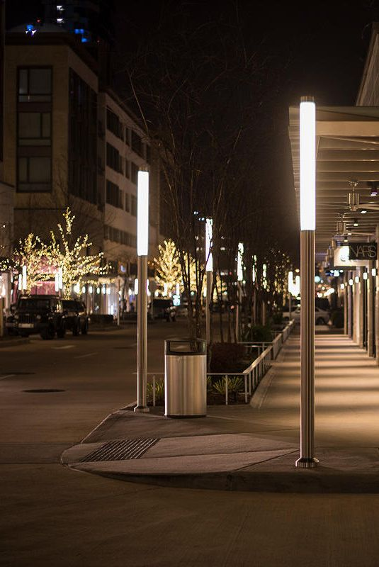 River Oaks District Is An Outdoor Shopping Complex Of Luxury Brands Restaurants And Sidewalk Ca Streetscape Design Park Lighting Landscape Architecture Design