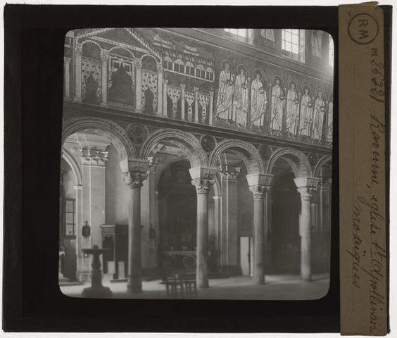 [Plaque de verre du fonds Colbert | EHNE]   Ravenne, église St Apollinaire, mosaïques