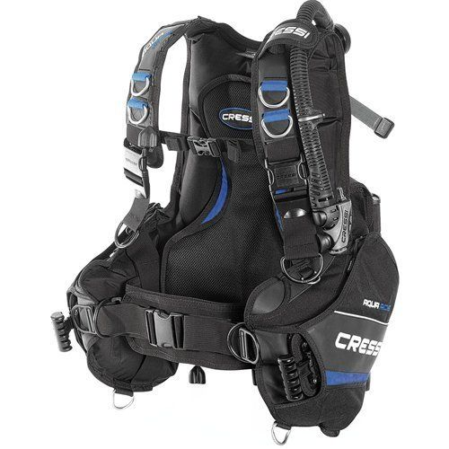 The Cressi Aquaride Blue Pro Bcd Is A Dual Purpose Bcd That Is Great For Travel And So Incredibly Versatile It Can Be Scuba Bcd Scuba Diving Equipment Diving