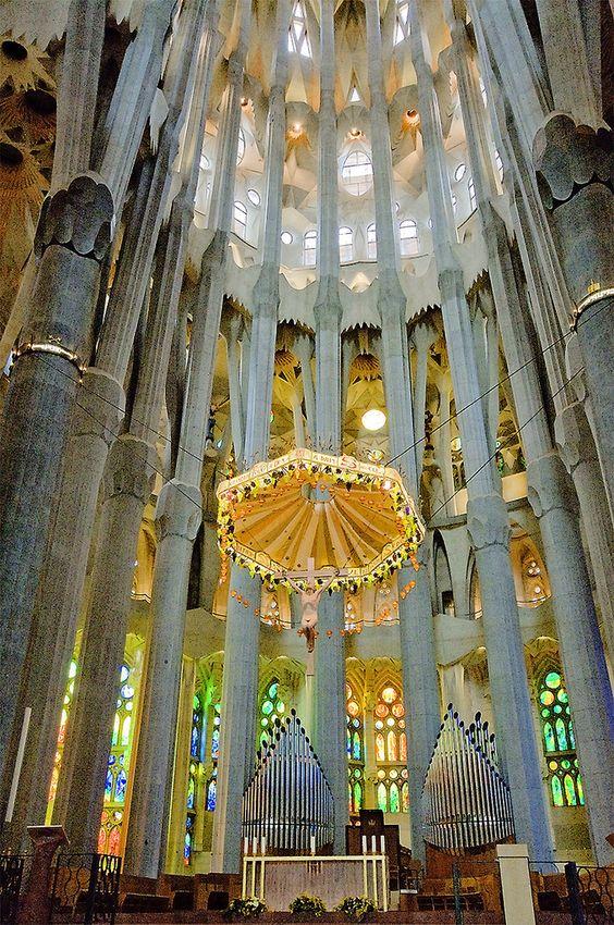 Church travel and photos on pinterest for La sagrada familia church