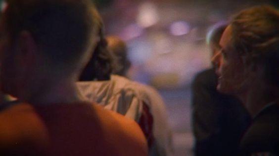 nike running laufen city night nacht paris gruppe spaß gemeinsam elektro ziel power rennen Schuhe aufwärmen dehnen Straße dunkel wille