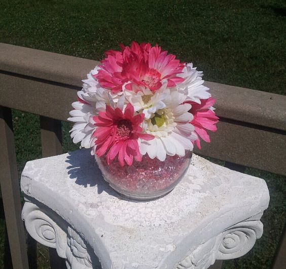 Red Daisies Centerpiece : Blue and pink centerpieces on pinterest