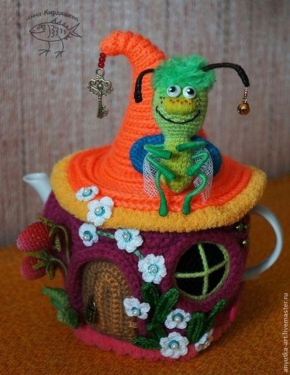 """Кухня ручной работы. Ярмарка Мастеров - ручная работа. Купить Грелка на чайник """"Букашкин домик"""". Handmade. Разноцветный, подарок женщине:"""