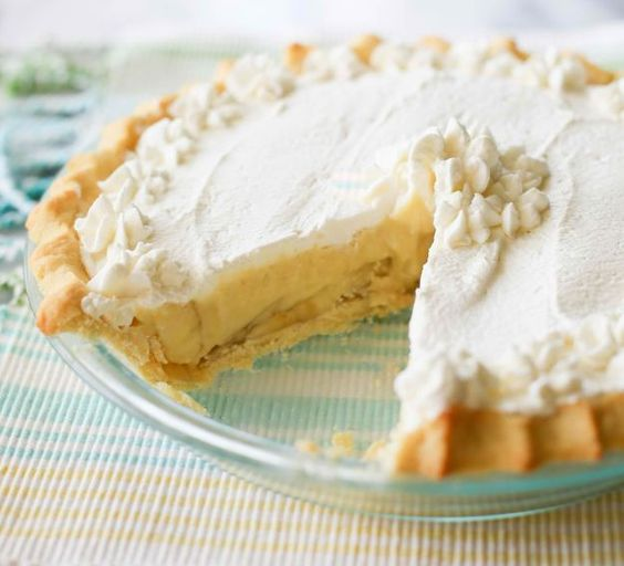 Banana Cream Pie   10 Easy Homemade Recipes That Are Incredibly Delicious by Homemade Recipes at    http://homemaderecipes.com/10-easy-homemade-recipes/