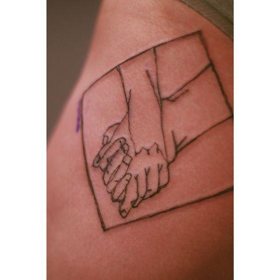 허벅지쪽에받으신 스케치느낌의 타투입니다* . . . . . #타투 #타투서언 #서언타투 #라인타투 #디자인타투 #빈티지타투 #타투이스트서언 #tattoo #허벅지타투 #스케치타투 #드로잉타투 #tattoos #linetattoo #tattooseoeon #tattooistseoeon #seoeontattoo #vintagetattoo #designtattoo #koreatattooist #seoultattooist #sketchtattoo #drawingtattoo