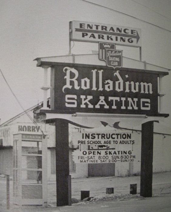 Places To Visit In Pontiac Michigan: We All Went To The Rolladium For Fun