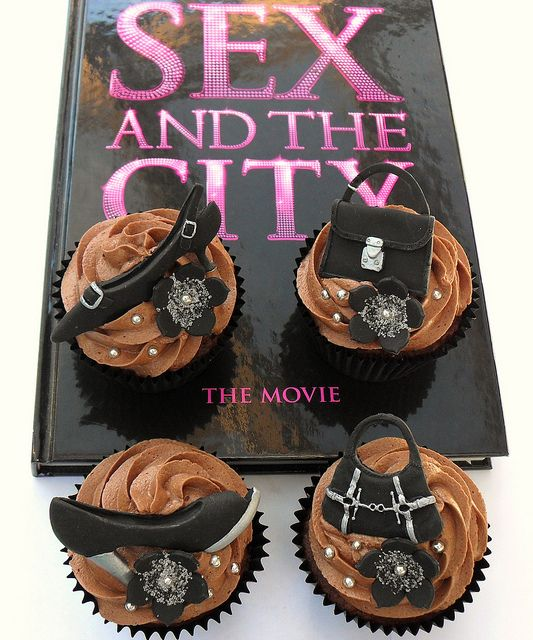 Sex and the City Cake by Elegant Cake Creations AZ  via Flickr Business Insider