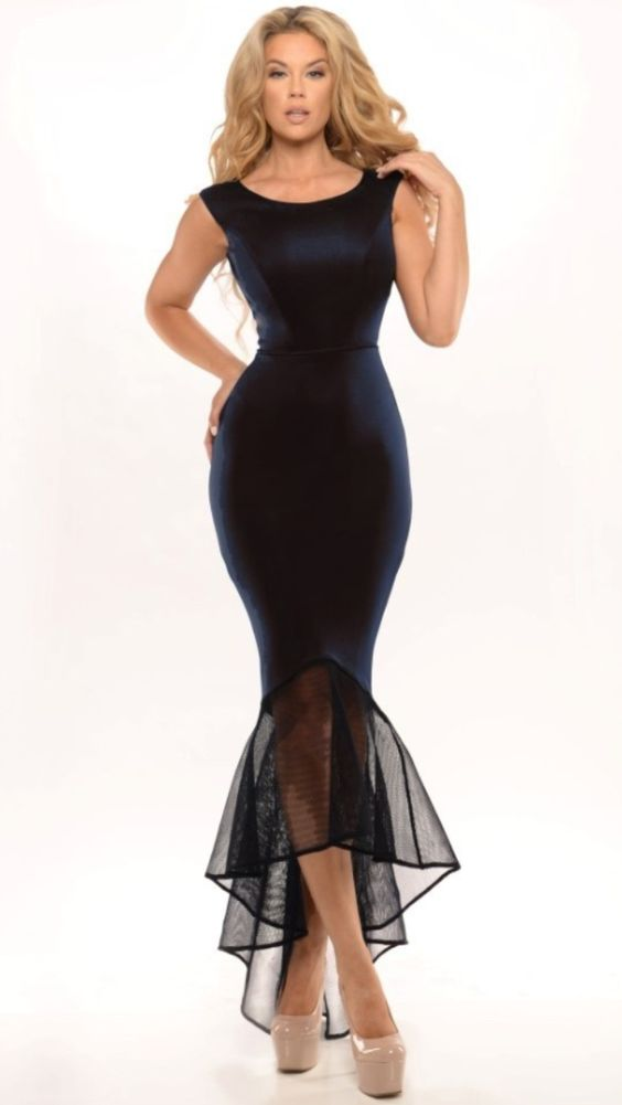 Serena Black available in sizes XS and M