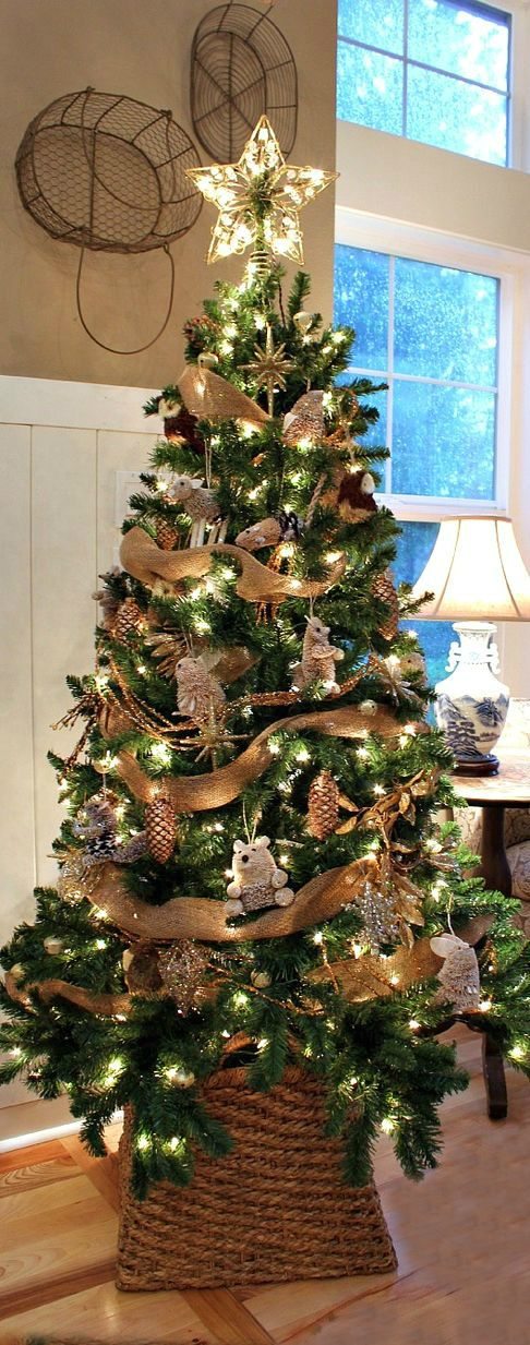 Christmas Tree ● Woodland. This would be pretty at the lake cabin!