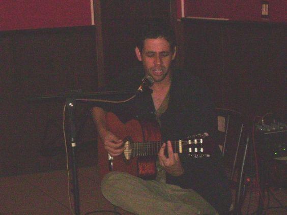 MÚSICA DE TRABALHO | Bar Goiânia Ouro - 2008 com amigos | SIMPLISTA  https://myspace.com/libertalia2008/music/songs