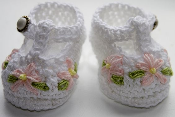 Cc35 cotton t strap baby bootie pattern a bit of artsy craftsy