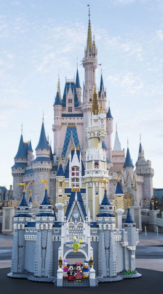 #LEGO The Disney Castle