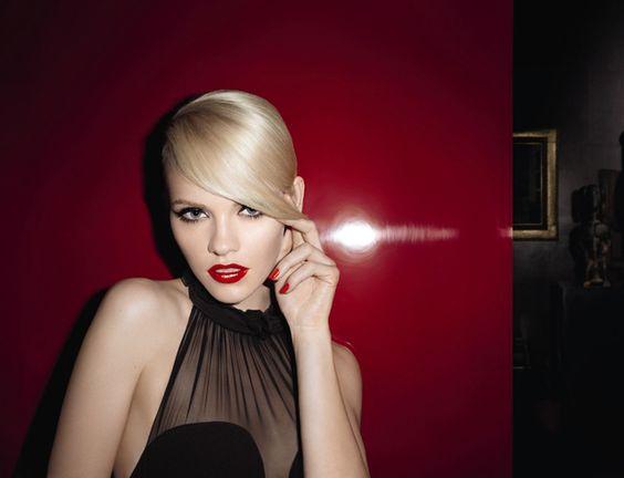 "Yves Saint Laurent ""rouge pur couture""."