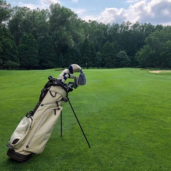 The Canvas Leather Cart Bag Crafted With Water Stain Resistant Waxed Canvas Waxed Canvas Is More Durable Than Golf Bags Golf Bags Men Sun Mountain Sports
