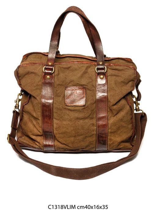Son sac Campomaggi que j'utilise.