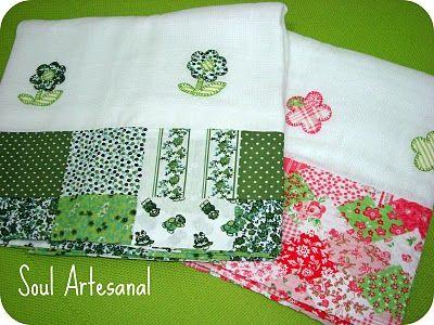Fraldas de pano com aplicação e barrado