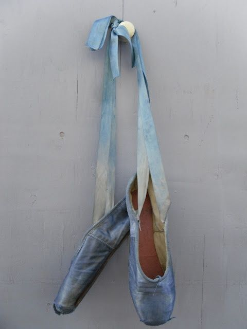 I love gorgeous pointe shoes #ombre #blue