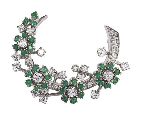 Emerald, diamond and platinum brooch : Lot 6837A