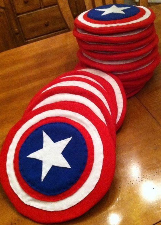 Prendada e Caprichosa: Escudo do Capitão América - Lembrança de Aniversário - visit to grab an unforgettable cool 3D Super Hero T-Shirt!