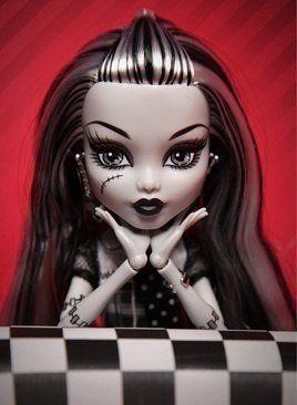 Monster High doll- Frankie Stein