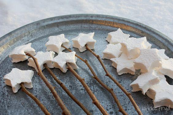 Love for campfire treats: Shaped Marshmallow, Star Marshmallow, Marshmallows Star, Hjemmelagede Marshmallow, Roasting Star, Campfire Marshmallows, Roasting Marshmallows