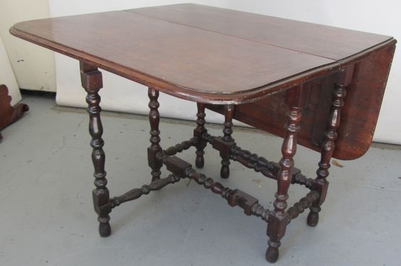 Counter Height Gateleg Table : Ea. 20th C. Mahogany drop leaf gate leg table 30