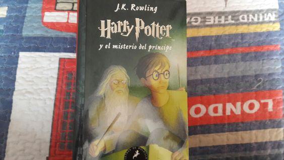 """""""Harry Potter y el misterio del príncipe"""" escrito por J.K Rowling.:"""