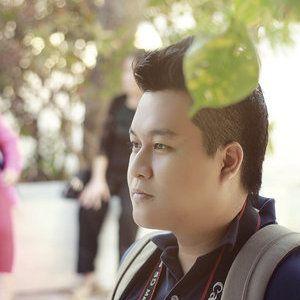 Photographer, Graphic and Web Designer