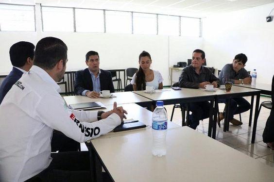En el Conalep 1 de Morelia, el coordinador del PVEM en el Congreso del Estado gestionó un ciclo de conferencias sobre la violencia y las adicciones en los jóvenes y ...