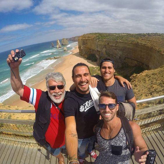 Prazer imenso estar mostrando esse país pra esses caras. Hoje é só no amor! #twelveapostles #greatoceanroad #victoria #australia by silveira.cesar