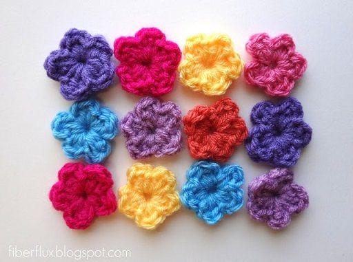Como hacer mini flores tejidas a crochet - Moldes Para Manualidades
