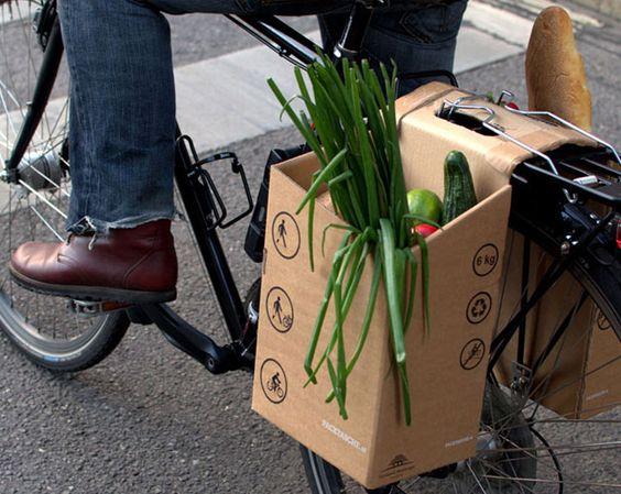 Des paniers en carton pour faire ses courses à vélo