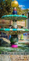 Hundertwasserbrunnen-8989 (Ralph Punkenhofer) Tags: wet fountain modern spring wasser kunst brunnen ausflug bunt wachau hundertwasser u60 nass zwettl weissenkirchen pensionistenverband