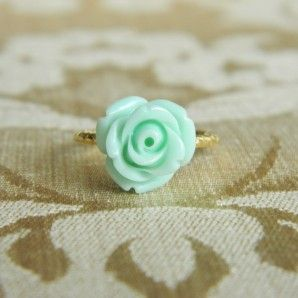 The Rose Ring in Mint | August Wrinkle