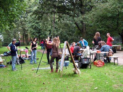 Nachbarschaft im Aufbau (Parkfest im Suttnerpark)